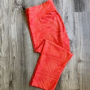 Coral Under Armour Cropped Compression Leggings L